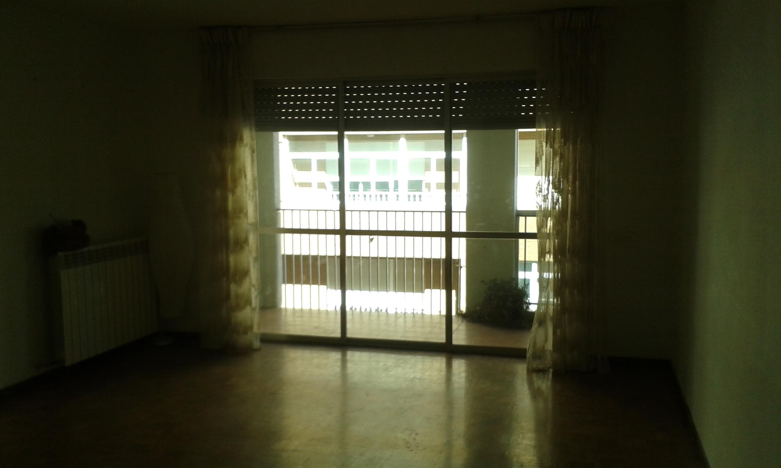 Piso 4 dormitorios z candelaria alquilia duri for Piso 4 dormitorios sevilla